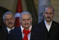 PM Yıldırım points to NATO, calls upon US to side with Turkey, not terrorist 'looters'