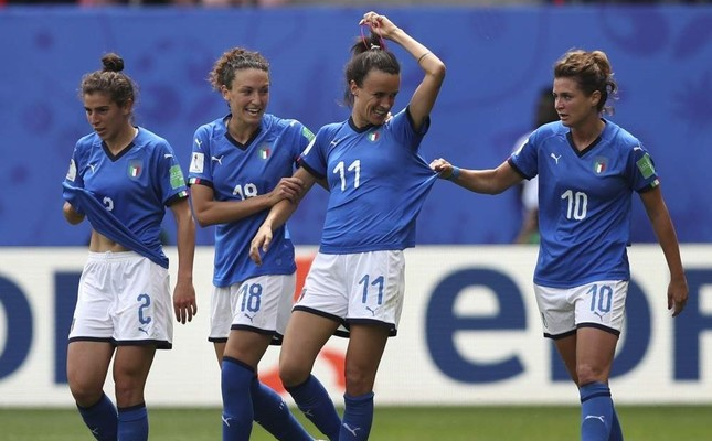 Italy's Barbara Bonansea, second from right, celebrates with teammates after scoring her side's first goal during a Women's World Cup match against Australia, Valenciennes, France, June 9, 2019. (AP Photo)
