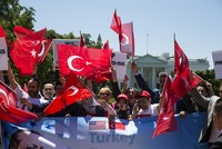 Witnesses reveal what actually happened outside Turkish embassy in US