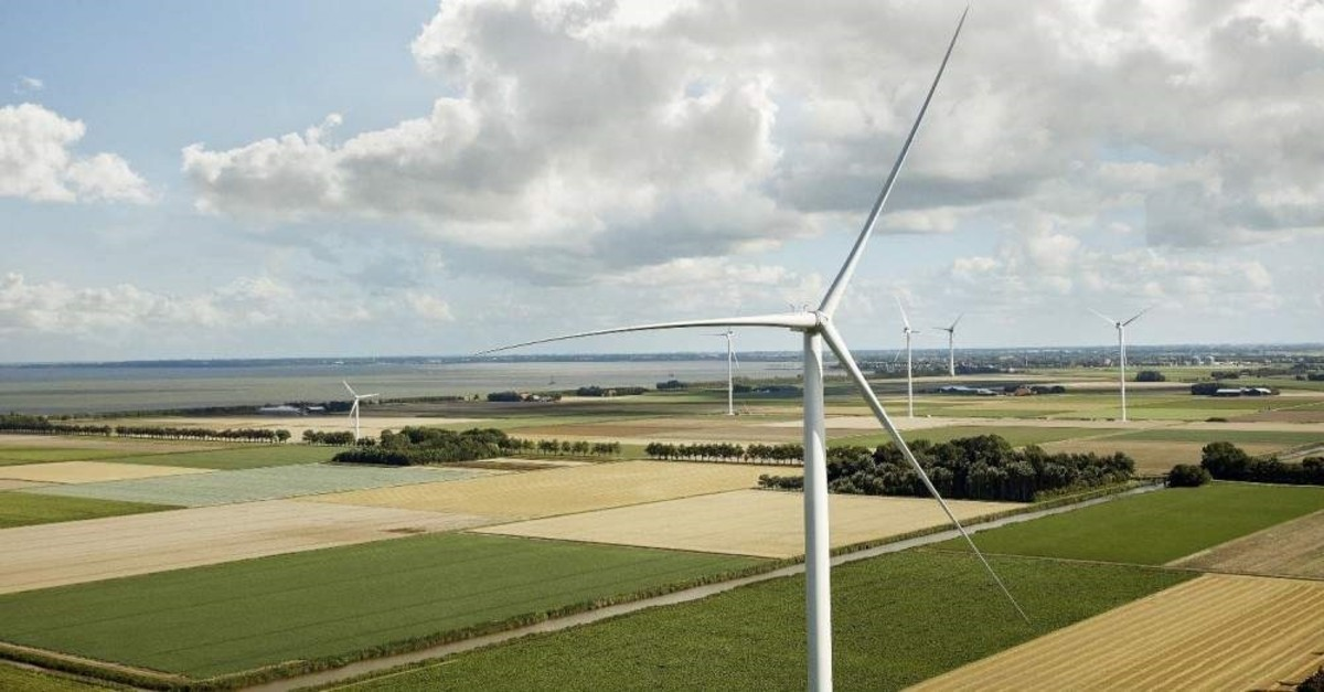 Wind turbines to be produced at the ?zmir plant will meet the electricity needs of approximately 1.1 million households in five regions. (DHA Photo)