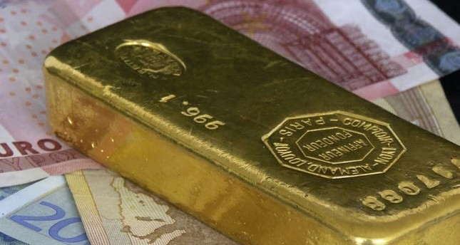 Global demand for gold rises amid investor uncertainty