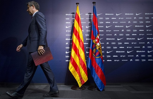 FC Barcelona's president Josep Maria Bartomeu leaves after giving a press conference at the Camp Nou stadium in Barcelona on Oct. 2, 2017. (AFP Photo)