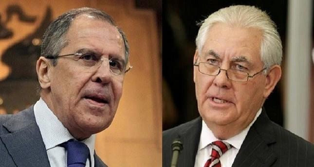 لافروف وتيلرسون يلتقيان للمرة الأولى بعد إقرار العقوبات الأمريكية الجديدة ضد روسيا