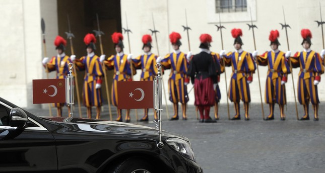 The car escorting President Erdoğan arrives at the San Damaso courtyard ahead of his private audience with Pope Francis, at the Vatican, Feb. 5.