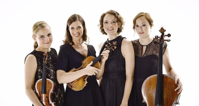 The quartet includes Angelika Bachmann and Iris Siegfried on violin, Anne-Monika von Twardowski on piano and Sonja Lena Schmid on cello.
