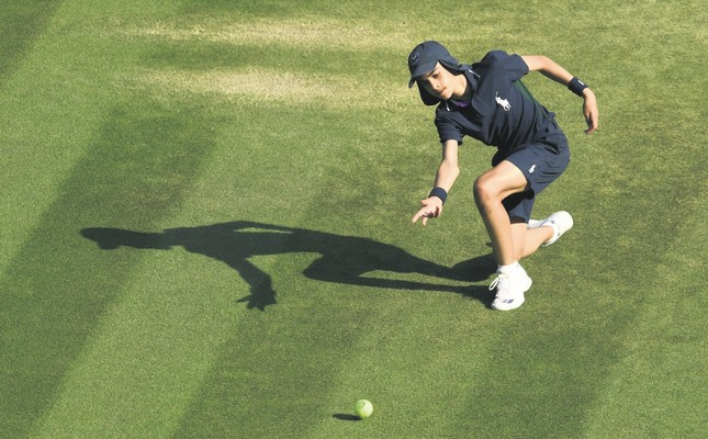 The other stars of Wimbledon: Ball boys, girls carry the tournament