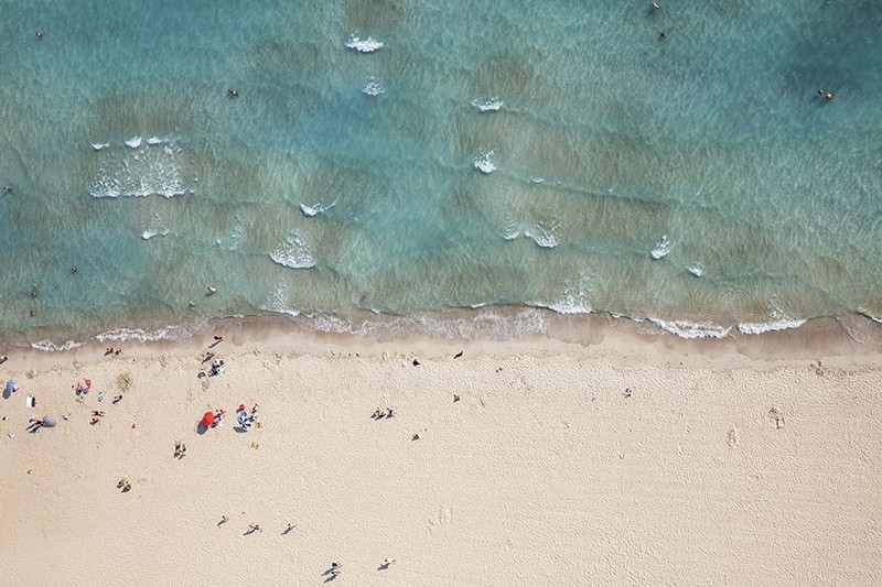 Aerial view of a Mediterranean beach in u00c7eu015fme, Turkey's Western u0130zmir province. (Sabah File Photo)