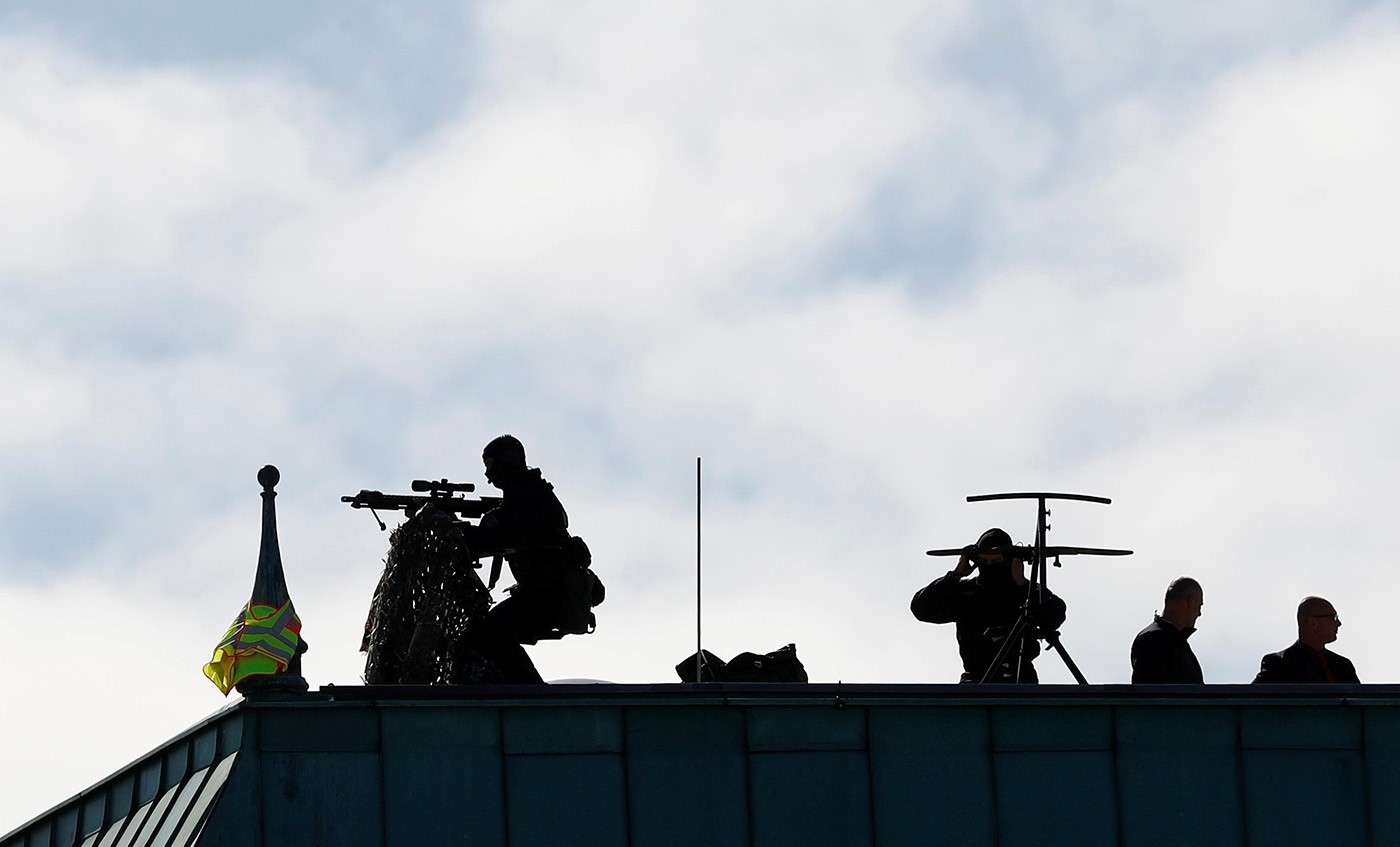 Snipers take positions at the rooftop of the Adlon Hotel before the arrival of President Recep Tayyip Erdoğan in Berlin, Germany, September 27, 2018. (Reuters Photo)