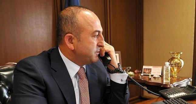 جاويش أوغلو يتلقى اتصالات هاتفية داعمة للحكومة بشأن محاولة الانقلاب الفاشلة