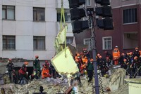 Death toll rises to 16 in Istanbul apartment collapse