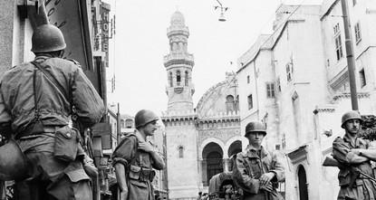 ماكرون يرفض الاعتذار عن الممارسات الفرنسية في الجزائر إبان الاستعمار