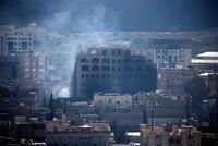 Jemens Hauptstadt Sanaa ist am Montag nach Angaben von Augenzeugen von einer Reihe von Luftangriffen erschüttert worden. Wie Bewohner der Stadt und eine Quelle am internationalen Flughafen von...