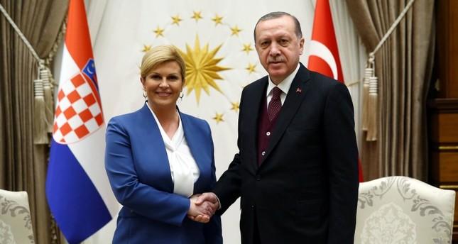 أردوغان يشجع كرواتيا في نهائي المونديال ويهنئ رئيستها