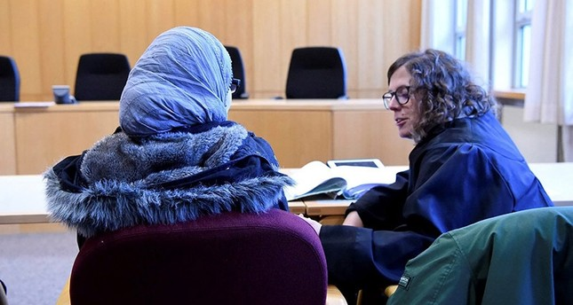 A Syrian refugee waits for an appeal hearing to begin in a court in Germany, 23 November 2016. (File Photo)