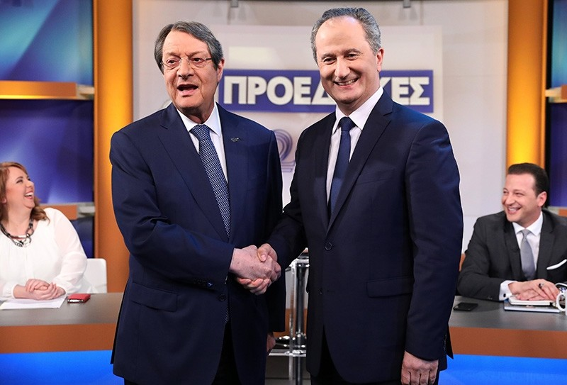 The two Greek Cypriot presidential candidates, Nicos Anastasiades (L) and Stavros Malas (R), are pictured before taking part in a televised debate in Nicosia, Greek Cyprus, Jan. 31, 2018. (EPA Photo)