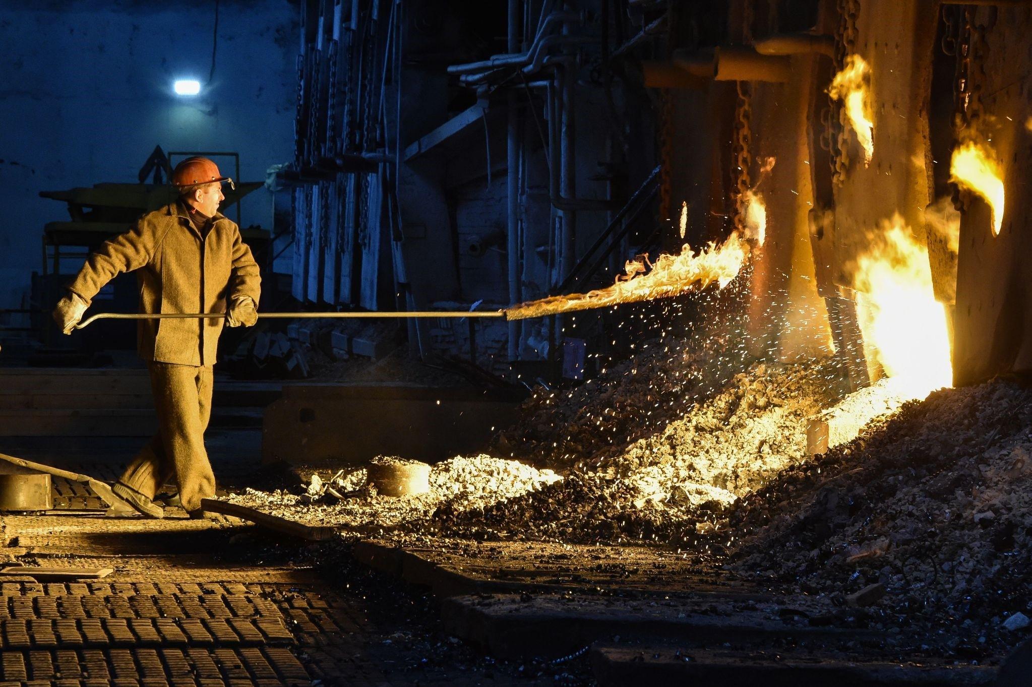 Open-hearth steelmaking process at the Vyksa Steel Works in Russia's Nizny Novgorod region on March 2, 2018. (AFP Photo)