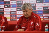 Turkey parts ways with Romanian Lucescu for national squad