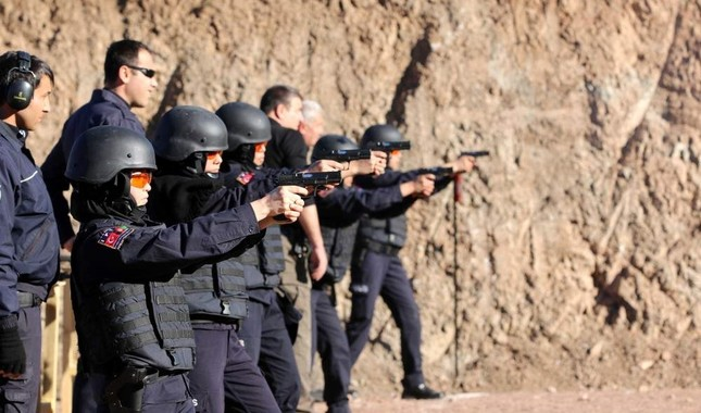 Afghan policewomen take aim during a training session, Sivas, Turkey, Nov. 26, 2016. AA Photo