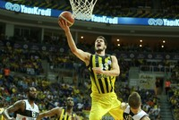 Fenerbahçe defeated Beşiktaş Sompo Japan 83-74 at Ülker Sports Arena Sunday evening to lead playoff finals series 2-0 in Turkey's Spor Toto Basketball League.