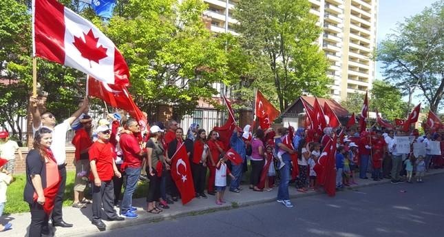 مسلمو كندا يعبرون عن تضامنهم مع الشعب التركي ضد الانقلابيين