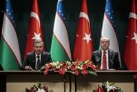 أردوغان في مؤتمر صحفي مع نظيره الأوزبكي شوكت ميرضيائيف في أنقرة. الأناضول