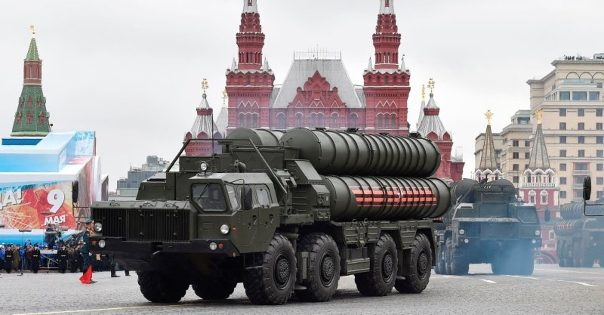 Russian S-400 Triumph medium-range and long-range surface-to-air missile systems ride through Moscow's Red Square during a parade. (AFP Photo)