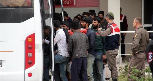 خفر السواحل التركي يضبط 450 متسللا بطريقة غير شرعية