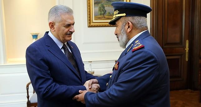 يلدريم يستقبل رئيس الأركان القطري بقصر تشانقايا في أنقرة