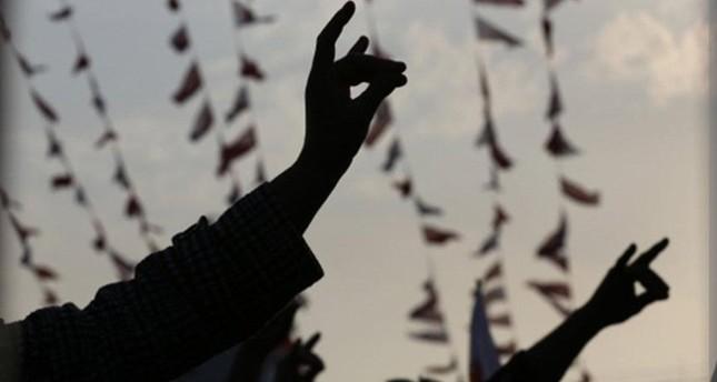 Deutsche Politiker fordern Verbot von türkischem Wolfsgruß