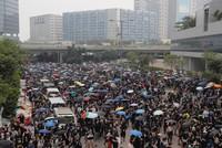 Erneut Tausende bei Demonstrationen in Hongkong