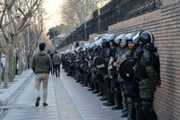 إيران.. المتظاهرون يعودون إلى الشوارع وترامب يحذر الحكومة