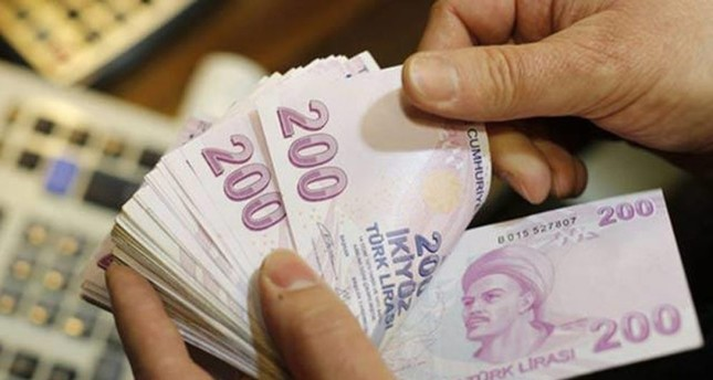 Turkish lira outpaces other emerging market currencies in April