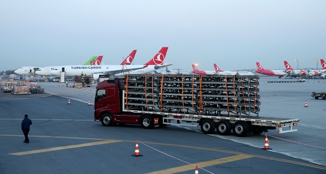 Turkish Airlines aircraft are prepared to take off for Istanbul Airport while trucks will have carried 47,300 tons of equipment in a massive logistical operation that brings Turkey's national flag carrier to its new home.