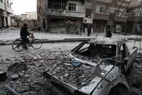Für die belagerte syrische Oppositionsenklave Ost-Ghuta ist am Dienstag eine fünfstündige Feuerpause in Kraft getreten. Der russische Präsident Wladimir Putin hatte am Vortag angeordnet, dass die...