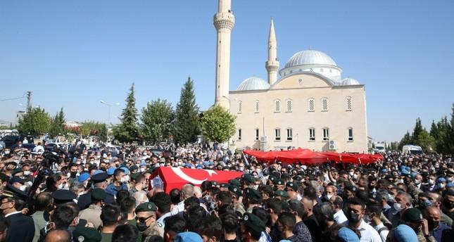 تشييع أحد شهداء الاعتداء الأخير على الشرطة التركية الأناضول
