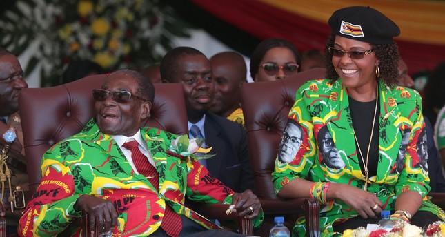 Zimbabwe's Mugabe drafts resignation letter: reports
