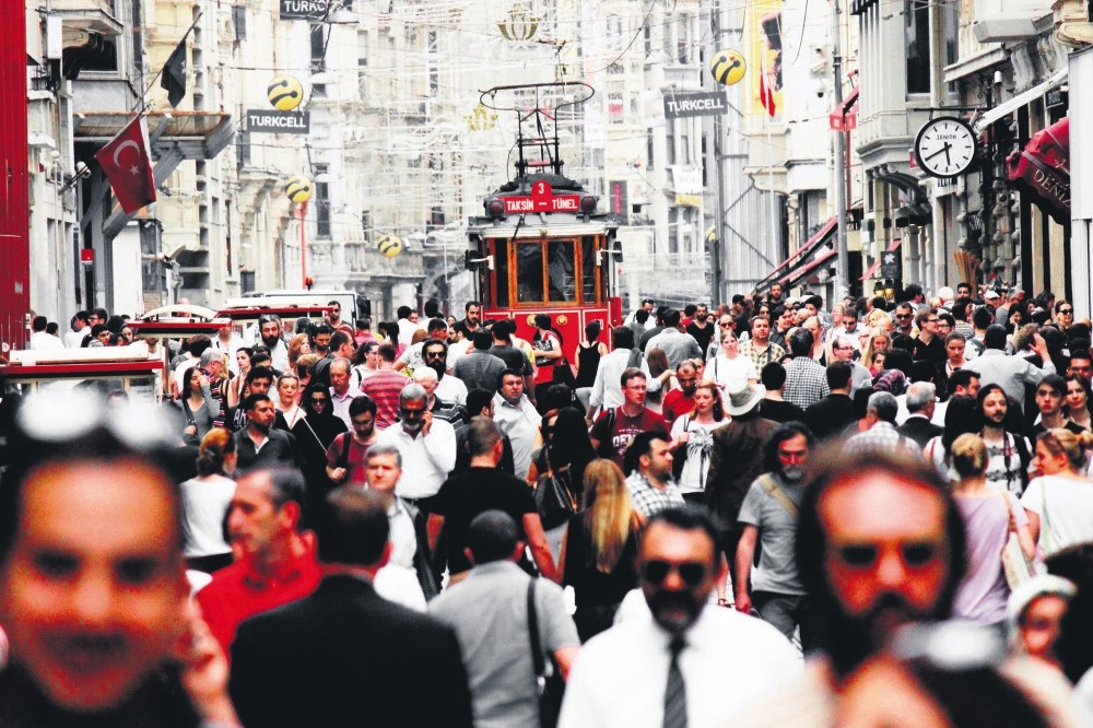 Istanbulu2019s u0130stiklal Avenue is one of the most visited place by expats.