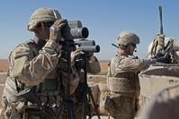 جنود أمريكيون أثناء دورية لهم في منبج  (رويترز)