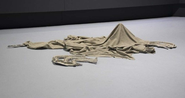The installation focuses on abstract definitions of daily objects.