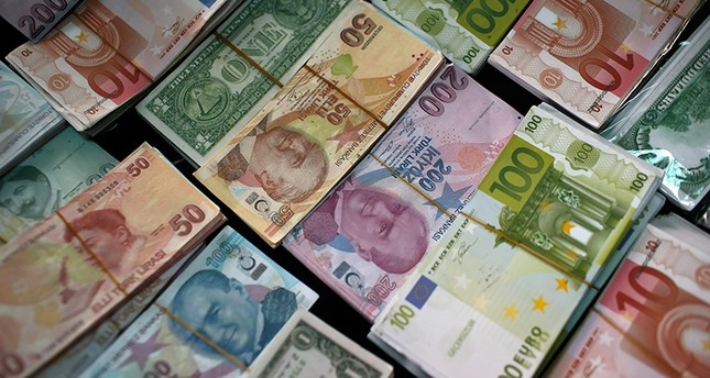 US dollar, euro renew record highs against Turkish lira - Daily Sabah