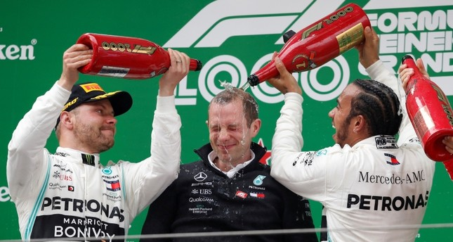 Hamilton wins 6th Chinese GP in Mercedes one-two