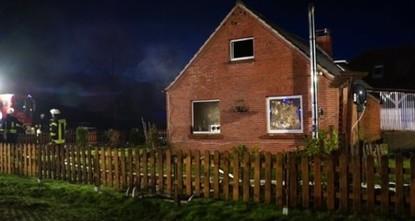pFamilientragödie im Norden Niedersachsens: Beim Brand eines Wohnhauses in Moordorf sind ein Vater und sein sechs Jahre alter Junge ums Leben gekommen./p  pSie seien wenige Stunden nach Ausbruch...