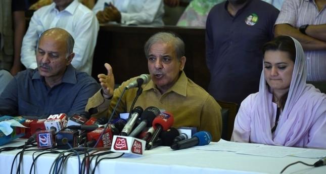 باكستان.. حزب عمران خان يتقدم في الانتخابات والأحزاب الرئيسية تعترض