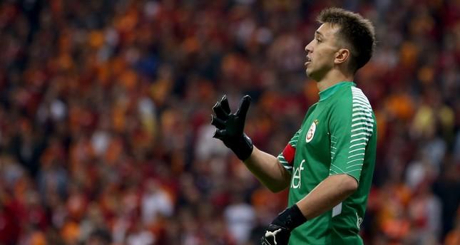 Newcastle eyes Galatasaray's goalie Muslera