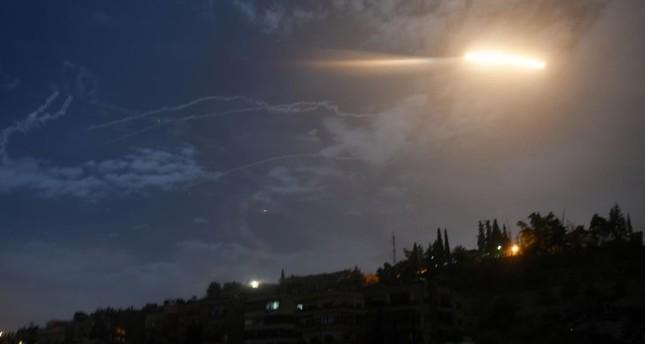 قتيل وعدة جرحى في قصف إسرائيلي لموقع عسكري بريف محافظة القنيطرة في سوريا