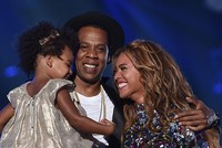 Beyonce and husband Jay Z expecting twins