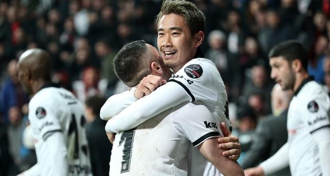 Shinji Kagawa cheers after scoring a goal against Konyaspor, March 11, 2019.