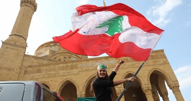 احتجاجات لبنان تدخل شهرها الثاني.. فماذا حققت؟