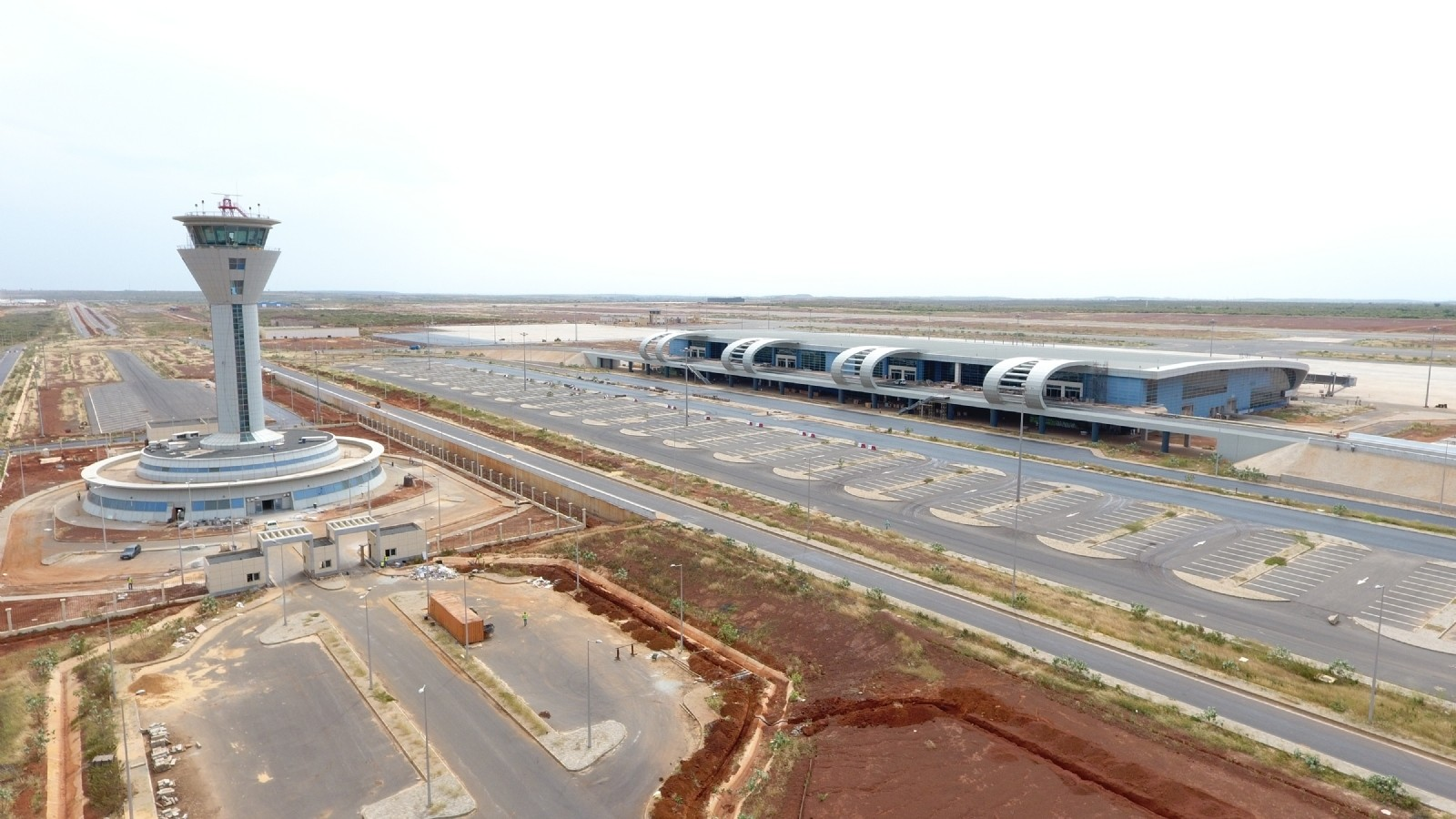 Turkish contractors Limak and Summa constructed the Au00e9roport International Blaise-Diagne Airport in Senegalu2019s capital Dakar with a 575-million-euro investment.