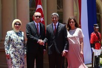 Erdoğan meets with Paraguayan counterpart Benitez in Asuncion